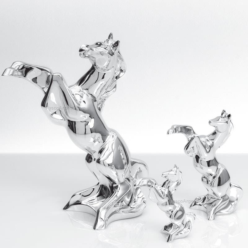 Cavallo stilizzato first class h cm 11 resina argentata for Cavallo stilizzato